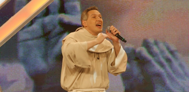 Padre Marcelo Rossi revela que teve namoradas