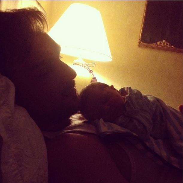 30.set.2014 - Aline Wirley publica foto do marido, Igor Rickly, e do filho, Antônio