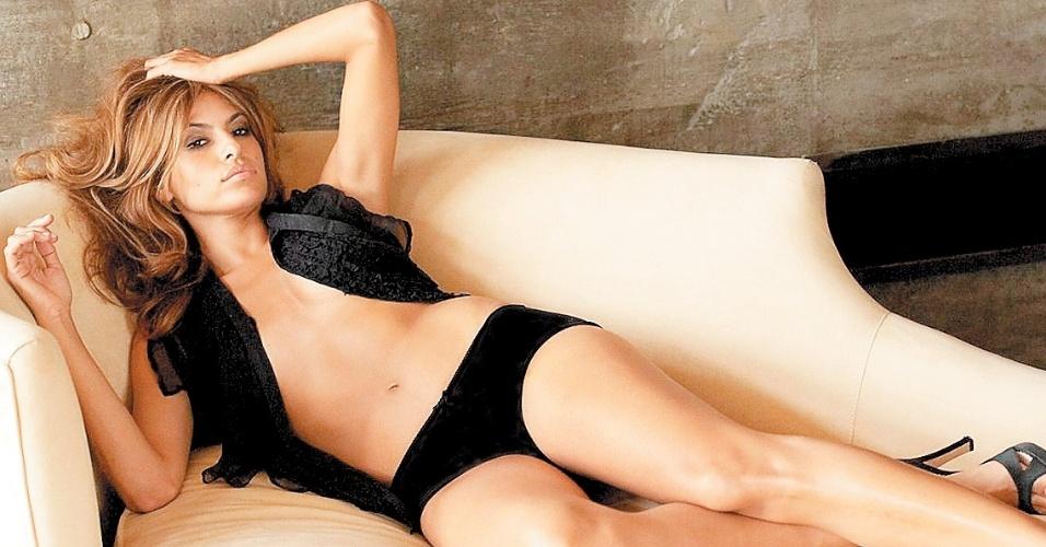 """Eva Mendes recentemente deu à luz seu filho com Ryan Gosling, mas já disse que não acredita na instituição do casamento. """"Não digo que seja negativo. Apenas acho que é desnecessário. É uma tradição muito antiga que já não se ajusta ao modelo da sociedade de hoje em dia"""", disse em entrevista a uma revista americana"""