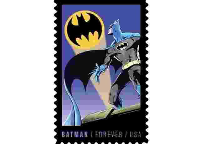 Imagem que pertence à série filatélica que será lançada nos Estados Unidos para comemorar os 75 anos de Batman. O super-herói aparecerá em uma edição limitada de selos a partir do próximo dia 9, revelou Mark Saunders, porta-voz do serviço dos correios americano. - Reprodução