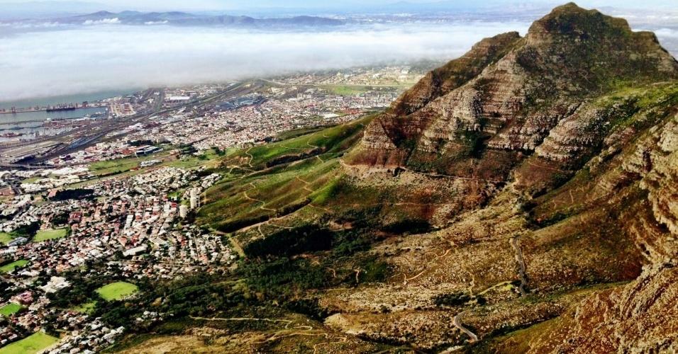Vista da Cidade do Cabo a partir da Table Mountain. Considerado o destino mais bonito da África do Sul, local também abriga importantes testemunhos da época do apartheid, como o bairro de Langa