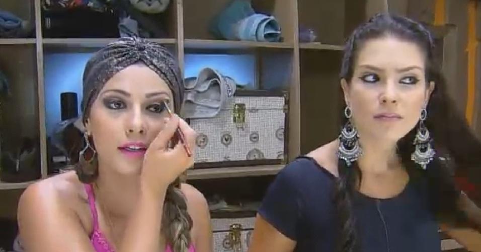 02.out.2014 - Babi Rossi e Débora conversam sobre Marlos Cruz em