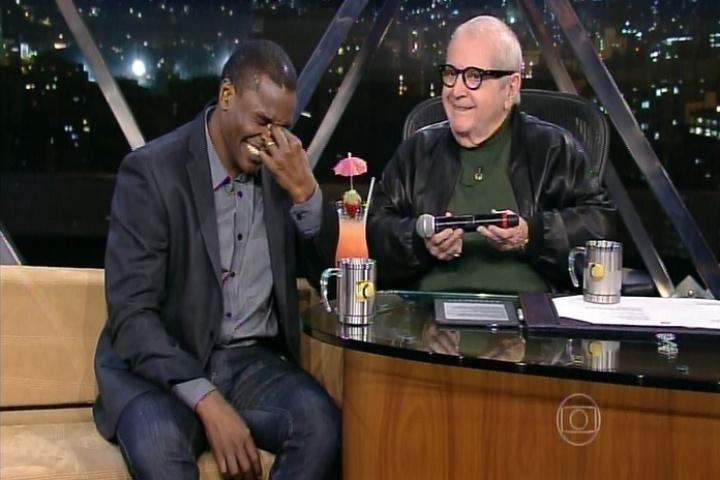 """1.out.2014 - Edson Cardoso, mais conhecido como Jacaré, foi ao """"Programa do Jô"""" falar sobre seu monólogo """"O Homem das Cavernas"""", em cartaz no Teatro Leblon, na zona sul do Rio de Janeiro"""