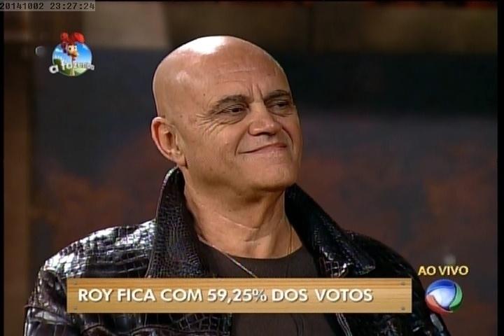 "2.out.2014- Maroni recebe a notícia que foi eliminado de ""A Fazenda 7"""