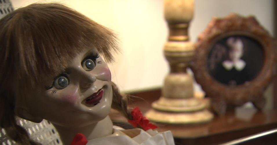 """Após as pegadinhas de terror com o boneco Chucky e a """"Menina Fantasma"""", o """"Programa do Silvio Santos"""" apresentará uma câmera escondida com a boneca Annabelle"""