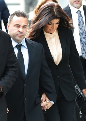 "Joe Giudice e Teresa Giudice, do reality ""The Real Housewives of New Jersey"", chegam ao tribunal"