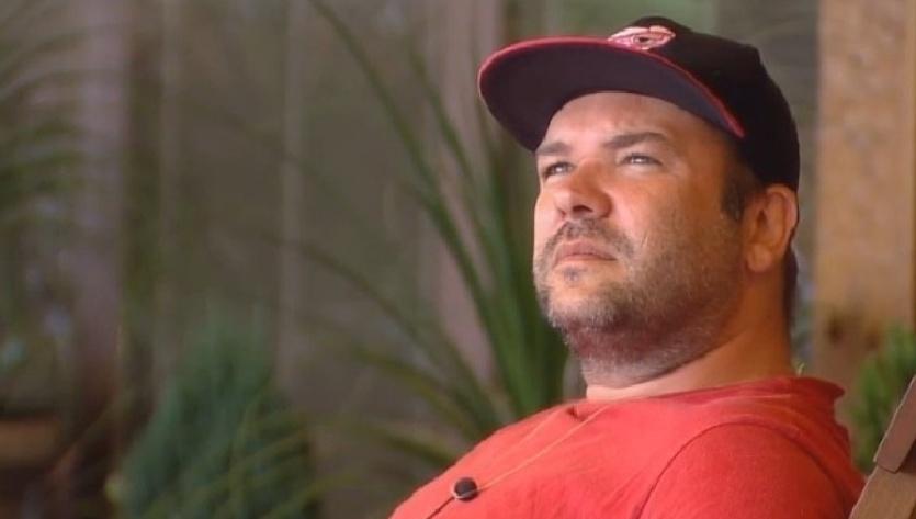 Noiva de Neném não acredita no pedido de desculpas de Felipeh Campos