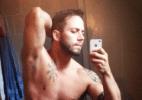 Ex-BBB João Almeida faz selfie no espelho e posta imagem em rede social (Foto: Reprodução/Instagram/joaoalmeida82)