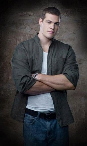 "Greg Finley é Tony Woodward, o Girder, em ""The Flash"""