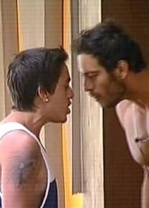 """Diego Cristo e DH Silveira discutem em """"A Fazenda 7"""""""