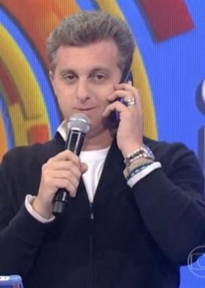 Globo distribui centrenas de celulares e fogões às vésperas de Natal