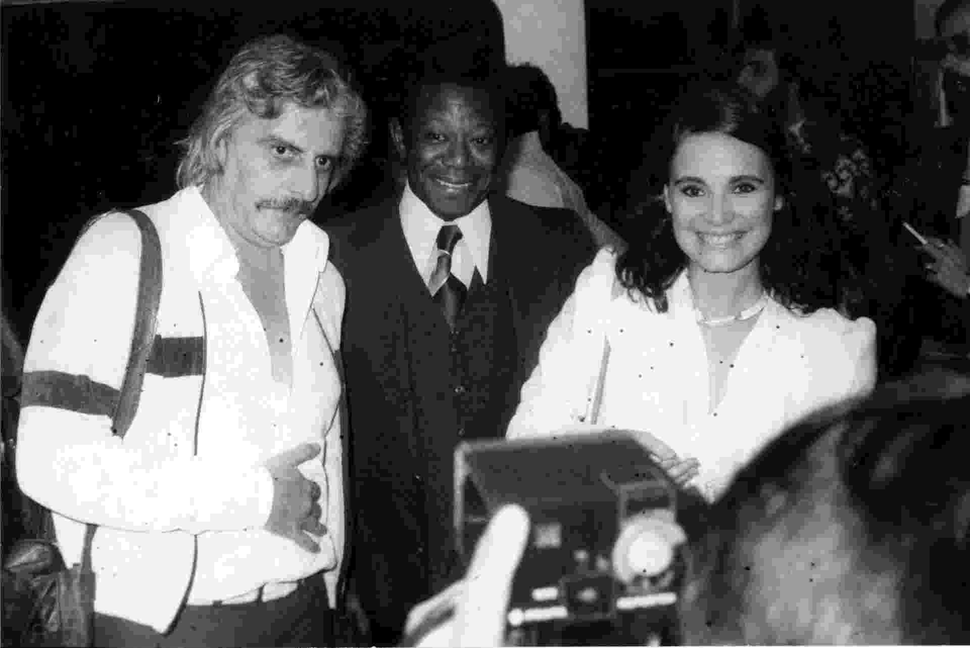 Ator e diretor Hugo Carvana com Milton Goncalves e Regina Duarte em 1979 - Folhapress