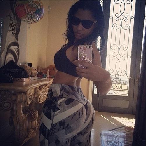 19.mar.2014 - Nicki Minaj mostra foto do bumbum em seu Instagram