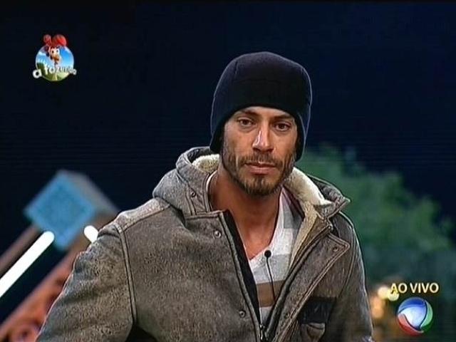 6.out.2014 - Indicado para a roça por Robson Caetano, Diego Cristo vota em DH para a terceira roça de