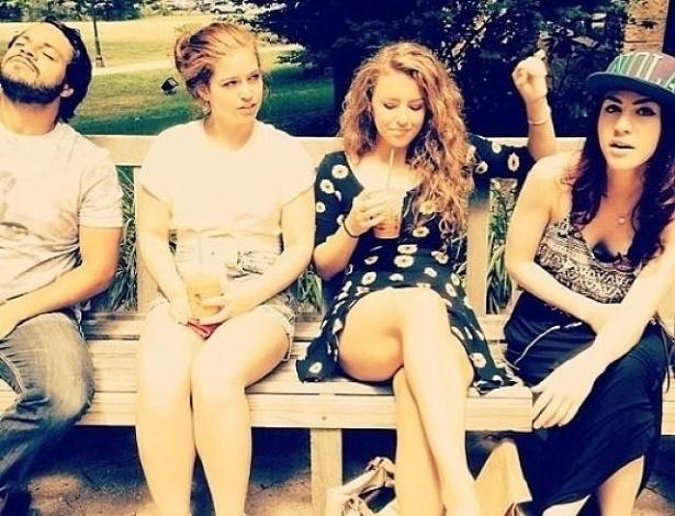 Pedro Almeida (à esq.) com amigos em foto postada por Megan Stewart em seu Facebook