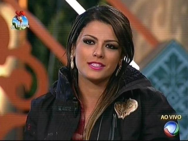 """6.out.2014 - Babi Rossi indica Felipeh Campos para a terceira roça de """"A Fazenda 7"""""""