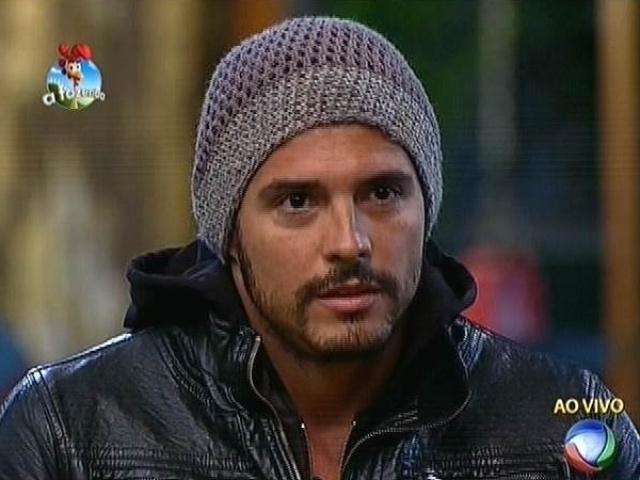 """6.out.2014 - Marlos Cruz indica Felipeh Campos para a terceira roça de """"A Fazenda 7"""""""