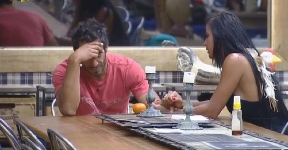 7.out.2014 - Diego Cristo conversa com Lorena em