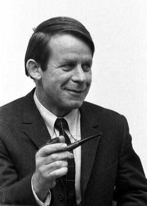 Escritor alemão do pós-guerra Siegfried Lenz  - Divulgação