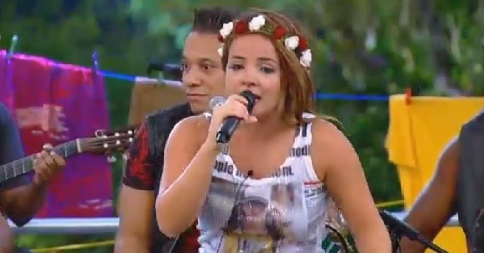 """8.out.2014 - MC Bruninha canta """"Beijinho no Ombro"""" acompanhada pelo grupo Molejo em """"A Fazenda"""""""