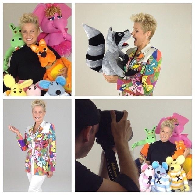"""09.out.2014- Xuxa publicou em seu Instagram imagens do making of da capa do seu novo DVD """"Xuxa Só Para Baixinhos 13"""", que deve ser lançado no início de 2015"""