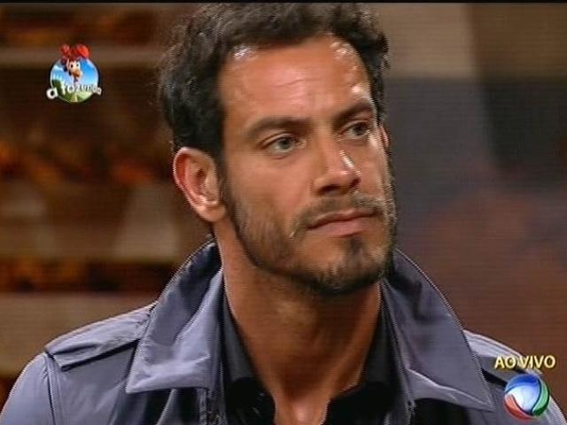 """9.out.2014 - Diego Cristo perde votação para Felipeh Campos e é eliminado de """"A Fazenda 7"""""""