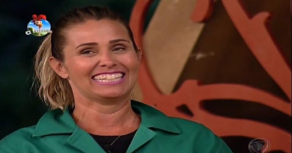 10.out.2014 - Andréia Sorvetão comemora vitória na prova da chave