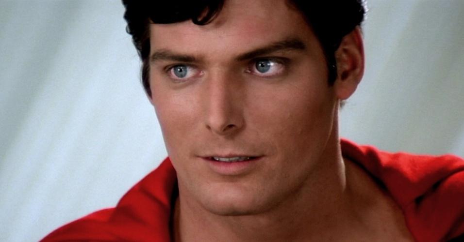 """Christopher Reeve em cena de """"Superman 2 - A Aventura Continua"""" (1980)"""