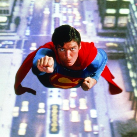 """Christopher Reeve em cena de """"Superman: O Filme"""" (1978) - Reprodução"""