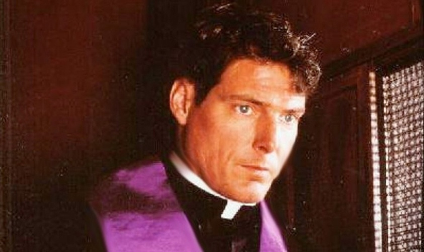 """Christopher Reeve em cena do filme """"Monsenhor"""" (1982)"""