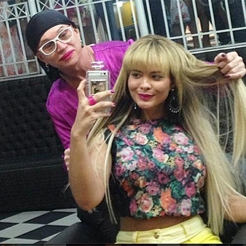 13.out.2014 - Geisy Arruda mudou novamente o visual. Ela postou em seu Instagram uma foto em que aparece de franjinha.