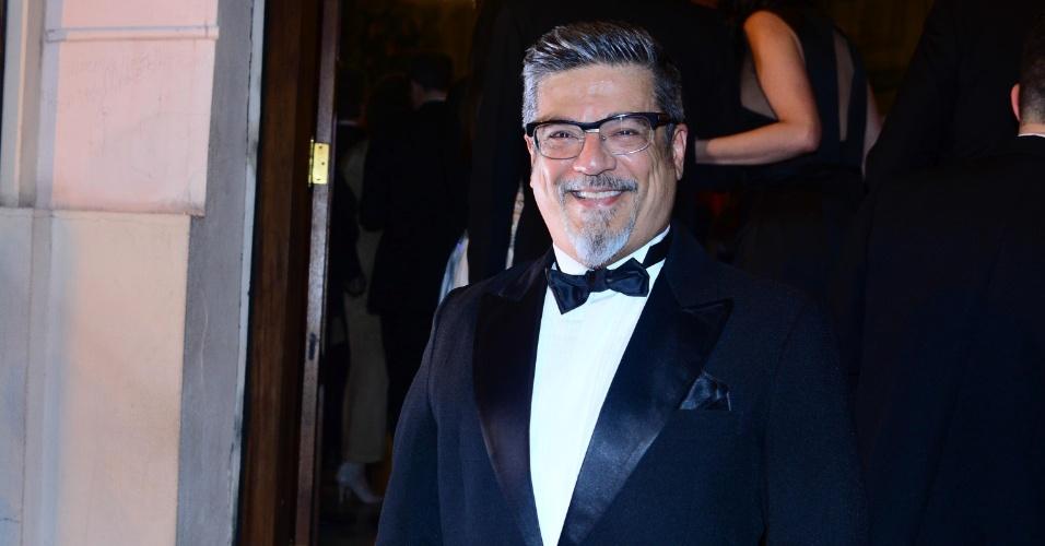13.out.2014 - O ator, cantor e bailarino Marcos Tumura, queridinho de Claudia Raia, no 2º Prêmio Bibi Ferreira
