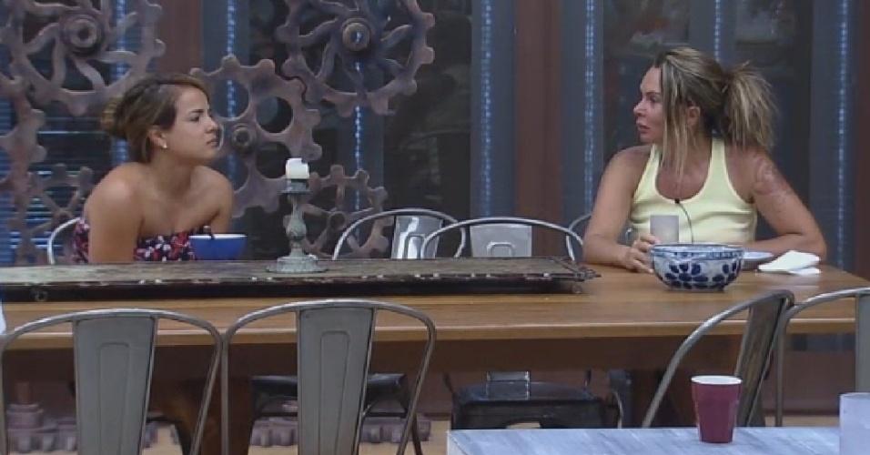 14.out.2014 - Bruninha e Cristina Mortágua conversam sobre Roy