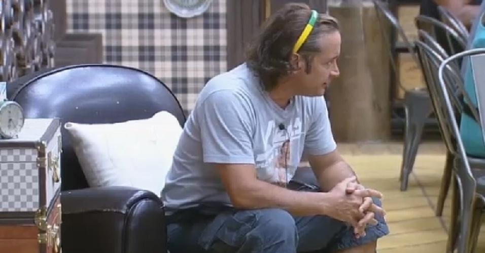 15.out.2014 - Roy discute com Cristina Mortágua em