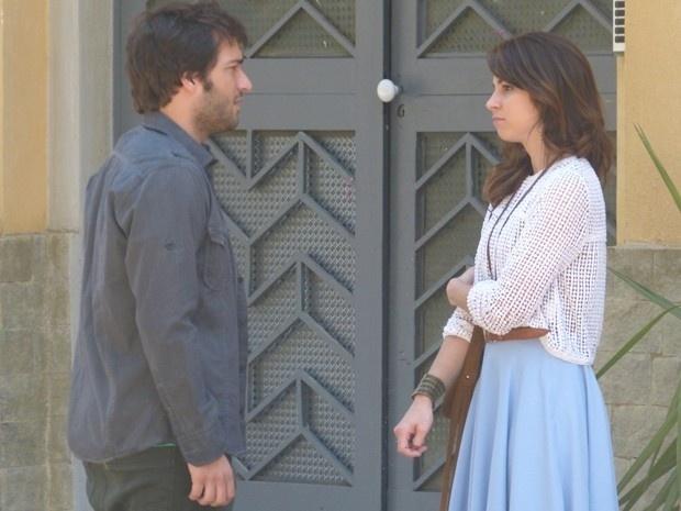 Davi confessa a Manu sua desconfiança de Herval em