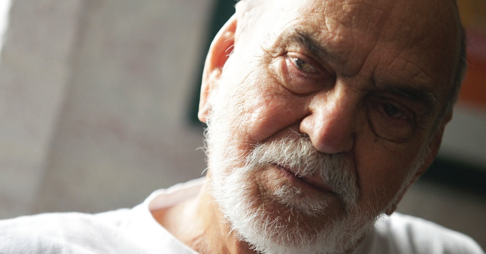 Longe da TV, Lima Duarte se sente preterido pela Globo e espera papel ideal