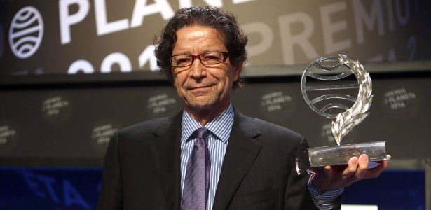 O escritor mexicano Jorge Zepeda Patterson recebeu o Prêmio Planeta nesta quarta (15) - Toni Albir/EFE