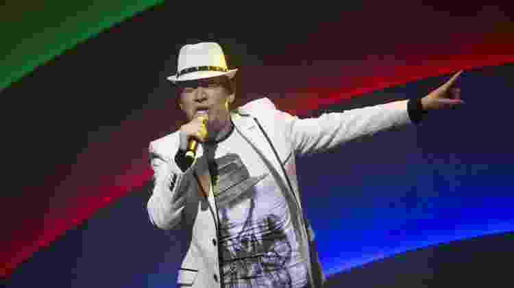 Roberto Leal durante show em SP - Ricardo Matsukawa/UOL - Ricardo Matsukawa/UOL