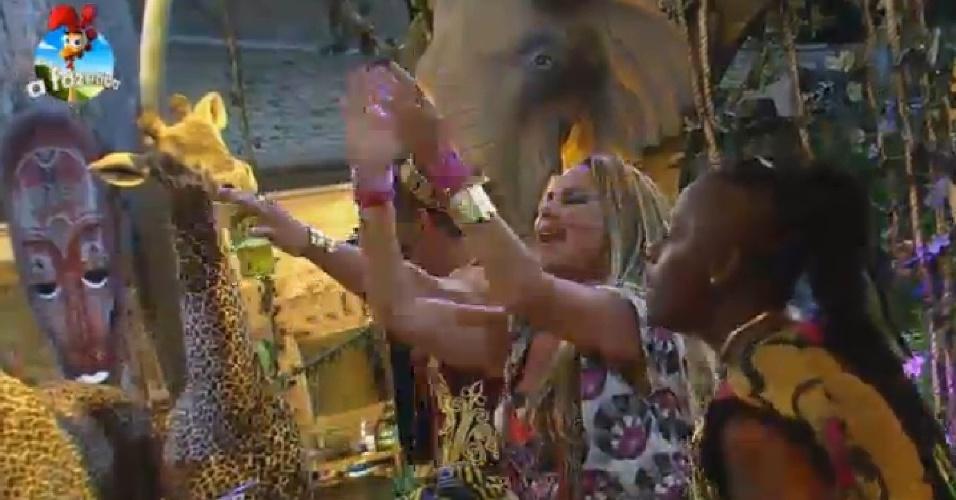 17.out.2014 - Cristina Mortágua canta durante Festa África