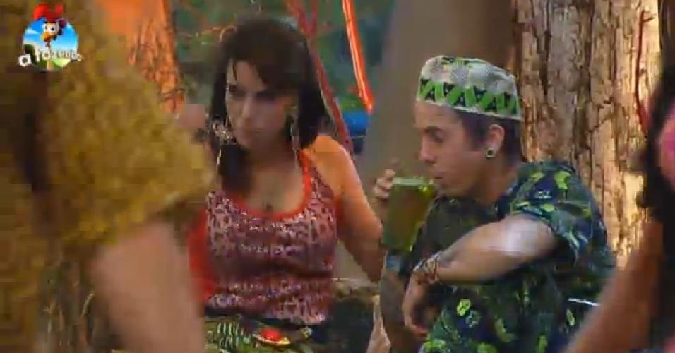 17.out.2014 - Heloísa e DH conversam durante a Festa África