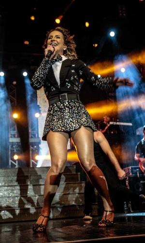 17.out.2014 - Claudia Leitte apresenta seu show no Espaço das Américas, na zona oeste de São Paulo, nesta sexta-feira. O evento foi promovido em comemoração ao dia do servidor público e realizado pela Associação dos Funcionários Públicos do Estado