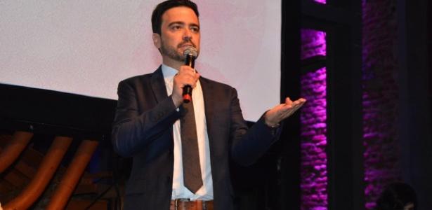 """Daniel Ortiz, autor de """"Alto Astral"""", durante lançamento de sua novela na Globo"""