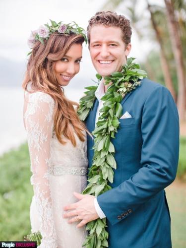"""Ator de """"Glee"""" se casa com modelo em cerimônia íntima no Havaí"""