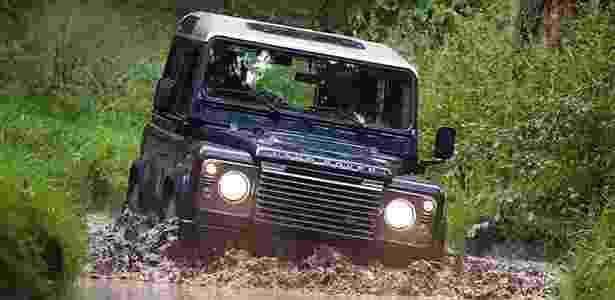 Land Rover Defender 2011 - Divulgação - Divulgação