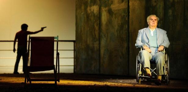 """Cena da ópera """"A Morte de Klinghoffer"""", que motivou protestos nos EUA - Dylan Martinez/Reuters"""