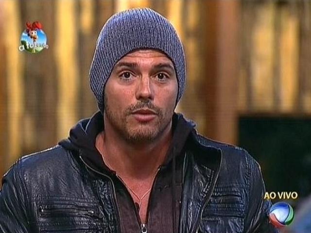 20.out.2014 - Marlos Cruz vota em Felipeh Campos para a quinta roça de