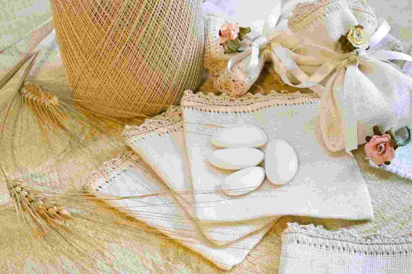 Os italianos deram início à tradição de oferecer amêndoas confeitadas aos convidados durante o casamento - Getty Images