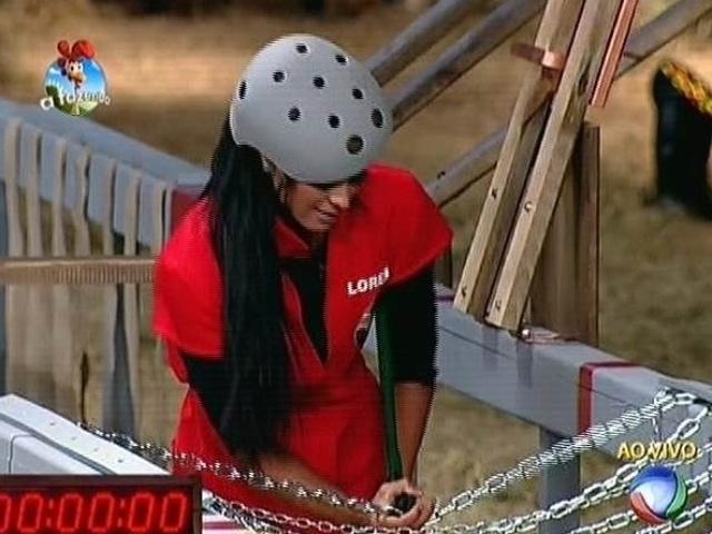 21.out.2014 - Lorena Bueri tenta recuperar o tempo perdido na sexta prova do fazendeiro de