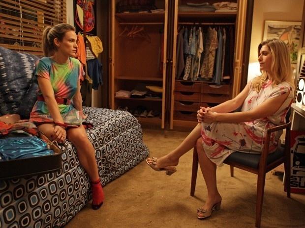 Vitória(Bianca Bin) se muda para casa de Gilda (Letícia Spiller) e revela que sempre sonhou em ter uma relação boa com a mãe, mas acha muito difícil isso acontecer um dia: