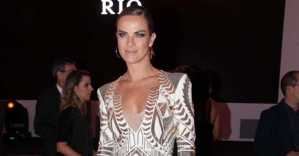 """23.out.2014 - A atriz de """"Império"""" Letícia Birkheuer prestigia o prêmio """"Comer & Beber"""" promovido pela revista """"Veja"""","""
